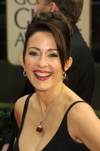 Патриция Хитон Обои probably with a portrait called Patricia Heaton
