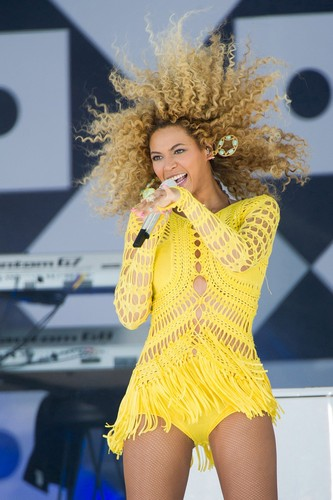 "Performs On ""Good Morning America"" In New York"