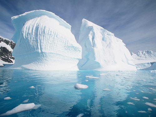 Pleneu Island - Antarctic Peninsula
