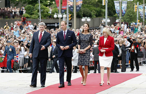 Prince William & Kate visit Canada