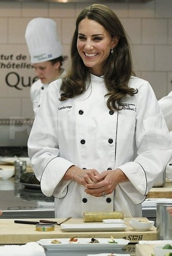 Prince William and the Duchess of Cambridge take part in a Еда preparation demonstration