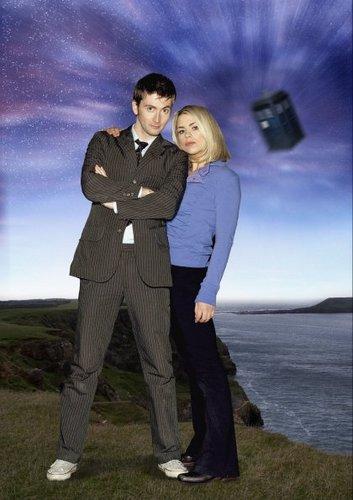Season 2 Cast Promotional 写真