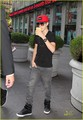 Selena Gomez & Justin Bieber: Armani Exchange Shopping Trip! - justin-bieber-and-selena-gomez photo