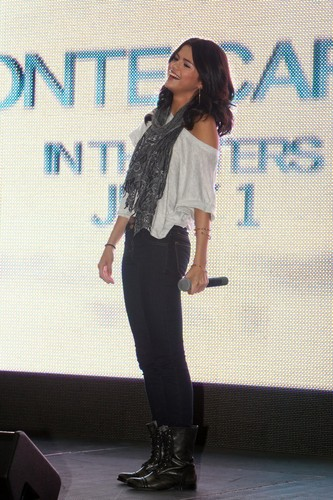 Selena - Monte Carlo Mall Tour @ laurel Park Place Mall - June 27, 2011