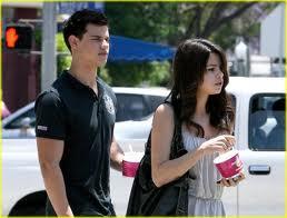 Selena and Taylor <3