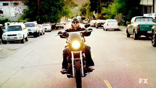 Jax-Sons of Anarchy-3x01
