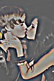 Justin Bieber wallpaper called WOW- JUSTIN BIEBER AND JASMINE VILLEGAS <3 2011 KISSING