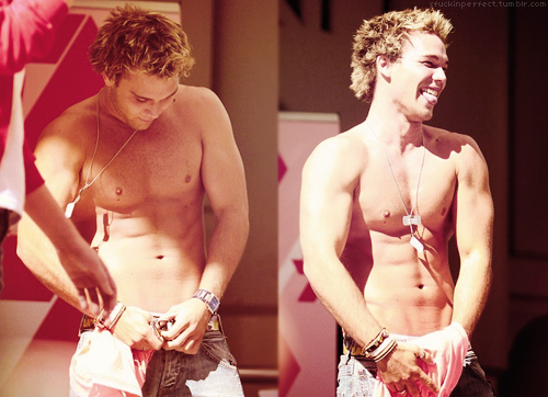Lincoln lewis naked