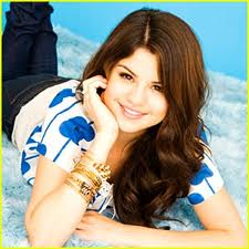 selena gomez is sooo pretty omg
