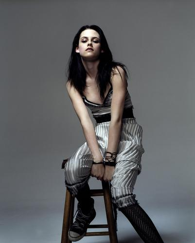 Kristen Stewart wallpaper probably containing a hip boot and a well dressed person called 2006: Mean Outtakes