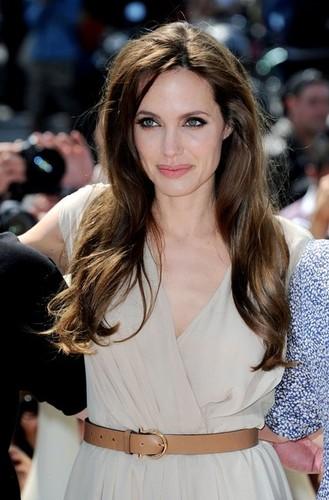 অ্যাঞ্জেলিনা জোলি দেওয়ালপত্র entitled Angelina Jolie | ♥