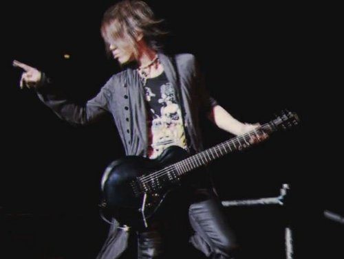 Aoi live