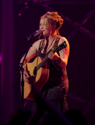Assorted Crystal Bowersox 照片