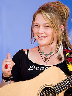 Assorted Crystal Bowersox 写真