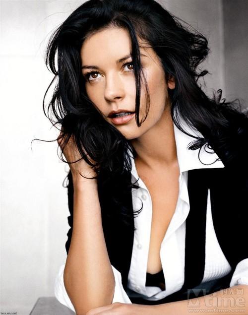 http://images4.fanpop.com/image/photos/23400000/Catherine-Zeta-Jones-catherine-zeta-jones-23444133-500-635.jpg