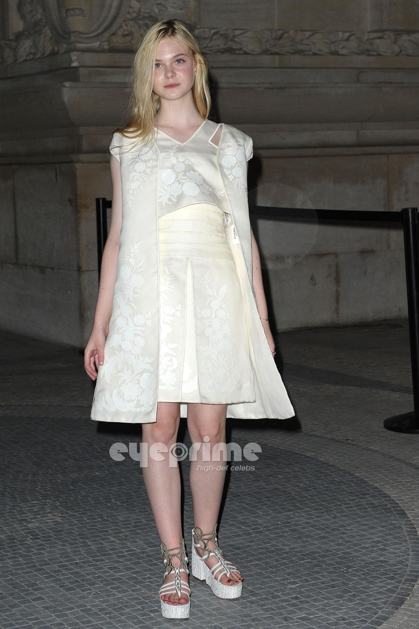 Elle Fanning: Chanel Fashion Показать in Paris, July 5