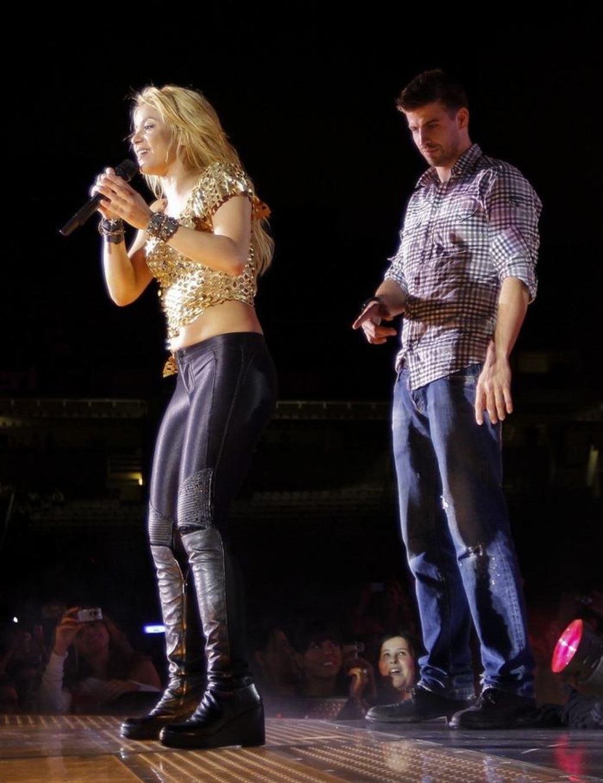 """Gerard Piqué about Shakira ass : """" This is just my ass"""" !!!"""