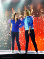 Glee Live Tour 2011  ♥ - lea-michele-and-dianna-agron photo