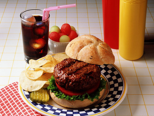 Delicious Recipes দেওয়ালপত্র with a ploughman's lunch entitled Hamburguer
