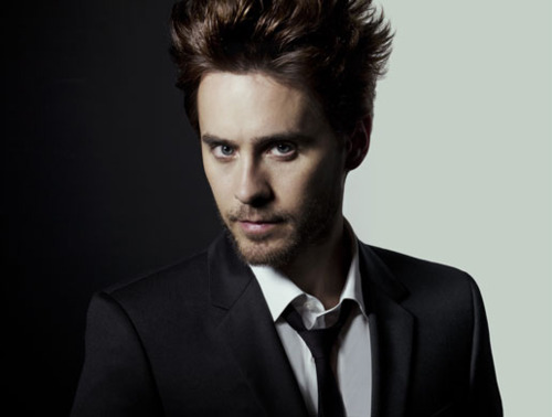 Jared Leto wallpaper containing a business suit, a suit, and a double breasted suit titled Jared