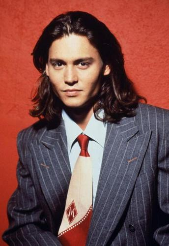 Maria&Jєnn♥ wallpaper containing a business suit, a suit, and a pinstripe entitled Johnny Depp ♥
