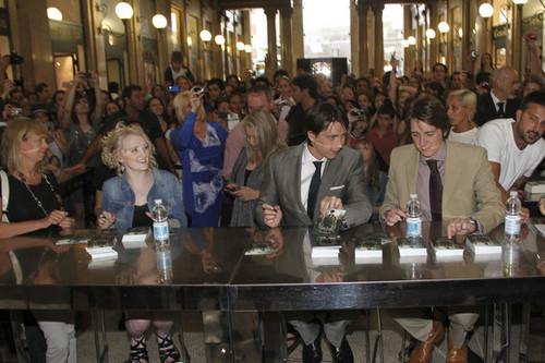 Jul02-03: Rome exhibit prebiyu