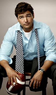 Kyle Chandler wallpaper probably with a business suit entitled Kyle