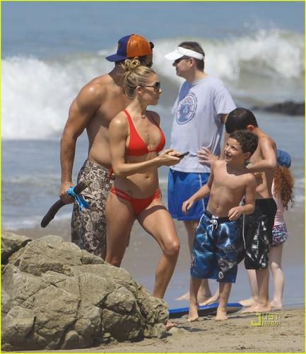 LeAnn Rimes: Teeny Red Bikini!