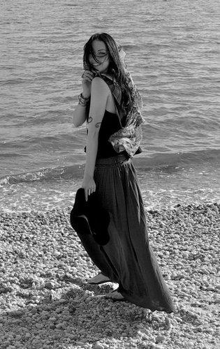 Liz at the ساحل سمندر, بیچ