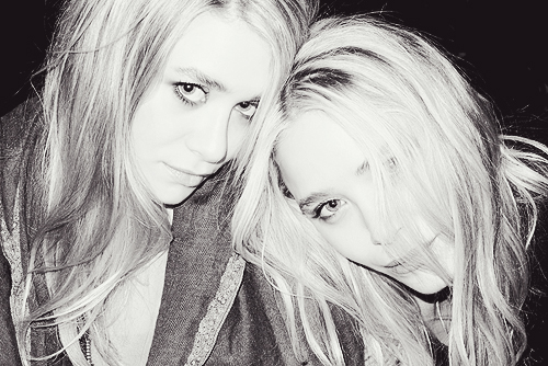 Mary-Kate & Ashley Olsen