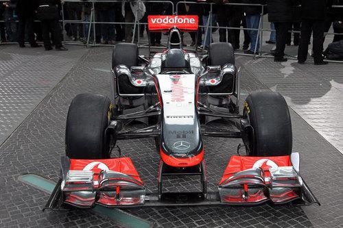 McLaren-MP4-26 F1 karatasi la kupamba ukuta 2011