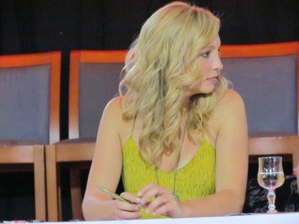 更多 照片 of Candice at the 'Mystic Love' convention in Nimes! [Days 1 and 2]