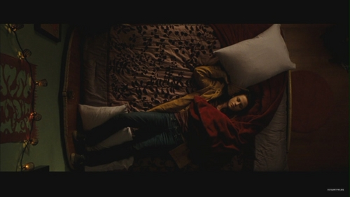 New Moon Deleted Scene: Charlie Puts Bella in Bed - new-moon-movie Screencap