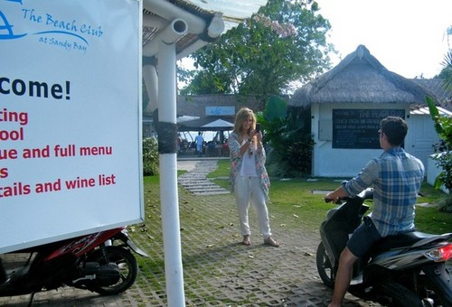 Nick Jonas & Delta Goodrem: On Vacation Together In Bali (June, 2011) !!!