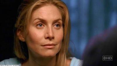 Dr. Juliet Burke Hintergrund with a portrait entitled One of us-juliet
