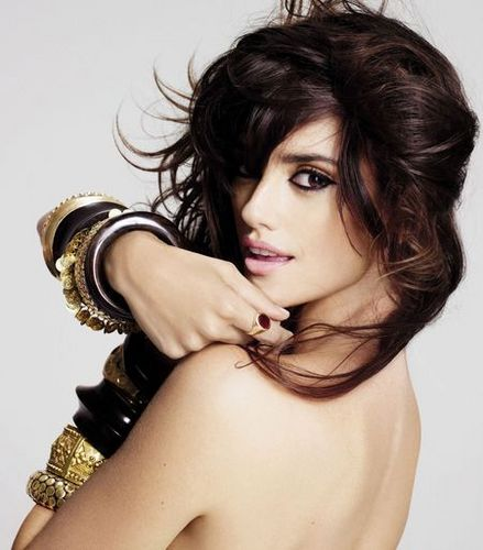 Penélope Cruz wallpaper possibly containing attractiveness, a portrait, and skin called Penelope CruZ