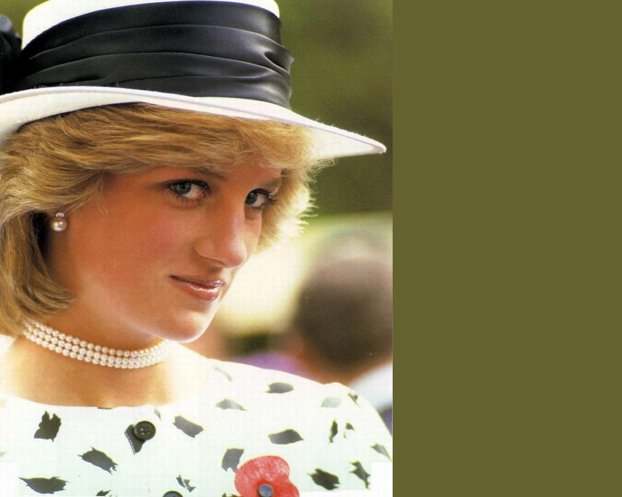 Diana Queen of Hearts Details