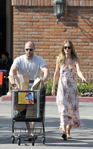 Rosie Huntington Whiteley and Jason Statham preparing for their Fourth of July BBQ (July 4).