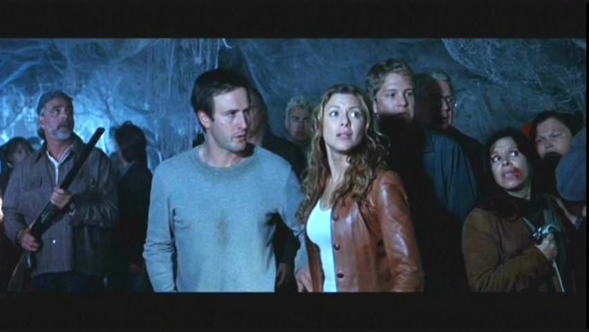 http://images4.fanpop.com/image/photos/23400000/Screencaps-eight-legged-freaks-2002-23442796-852-480.jpg