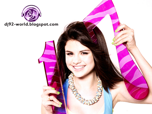 Selena Gomez EXCLUSIF18th HIGHLY RETOUCHED QUALITY pHOTOSHOOT Von dj!!!...