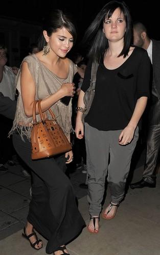 Selena Gomez out at Nobu in London (July 5).
