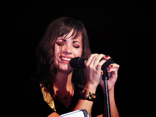 Stunning Demi<3