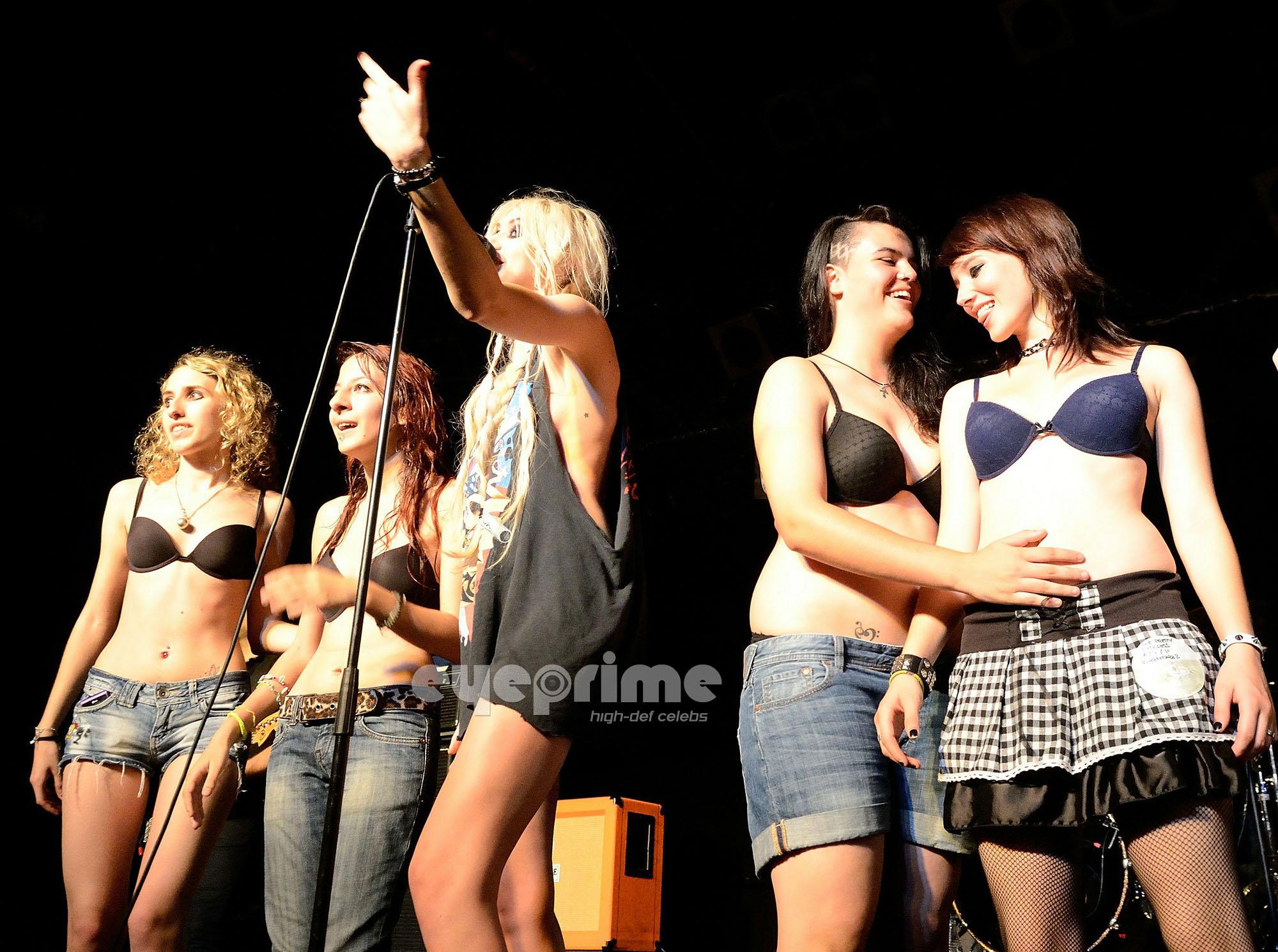 Taylor Momsen: Razzmatazz in Barcelona, July 6