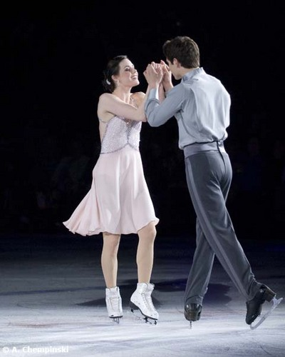 Tessa Virtue & Scott Moir wallpaper titled Tessa Virtue & Scott Moir