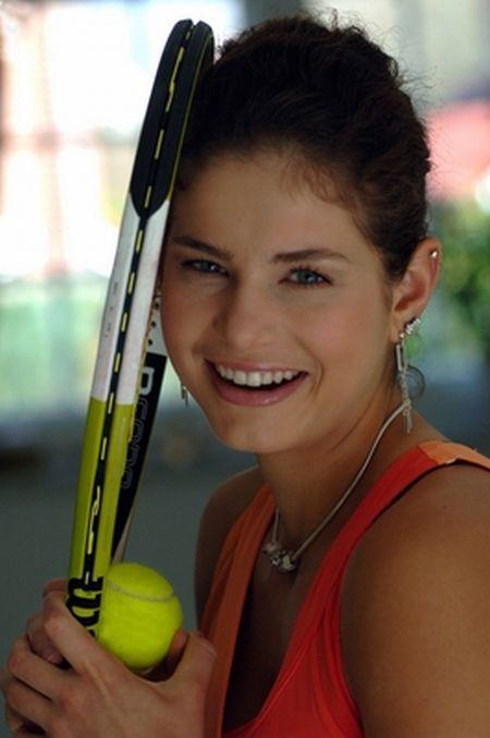 Julia Goerges is a Теннис Cutie