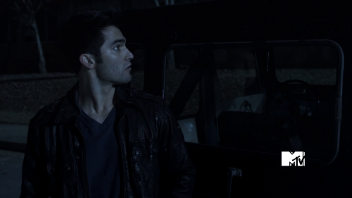 derek  - derek-hale Screencap
