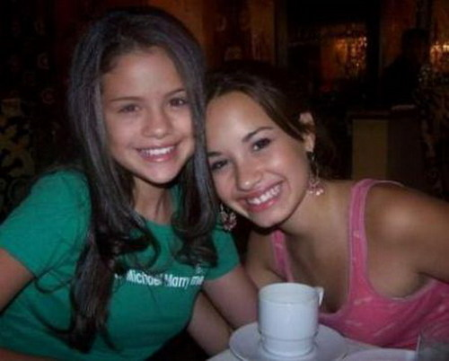 selena gomez with demi lovato.jpg