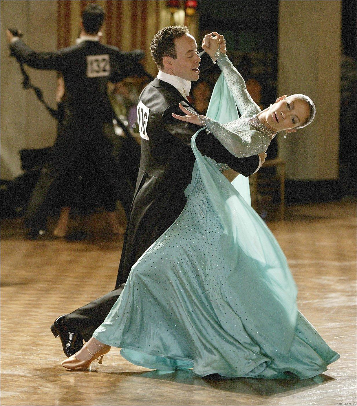Танцуют в прозрачных платьях 9 фотография