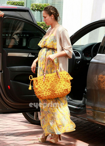 Jessica Alba arriving at Neiman Marcus to do some shopping in Beverly Hills, July 7