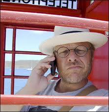 Alton Brown wallpaper with a fedora and a boater titled Alton Brown